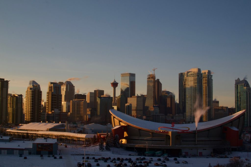 Calgary-downtown-calgary-tower-saddledome